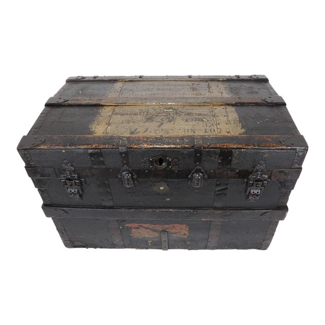 Late 19th Century Antique Crouch & Fitzgerald Coffee Table/Steamer Trunk For Sale