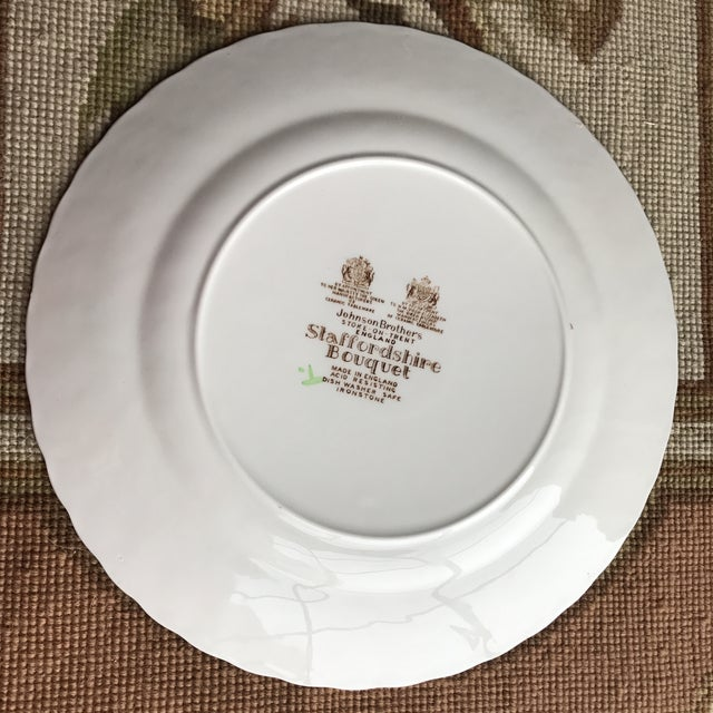 Traditional 4 Staffordshire Bouquet England Ironstone Dinner Plates For Sale - Image 3 of 5