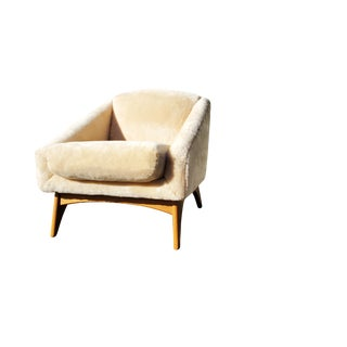 A Mid-Century Modern - MCM - Lambswool Lounge Chair by Kroehler in the Manner of Adrian Pearsall For Sale