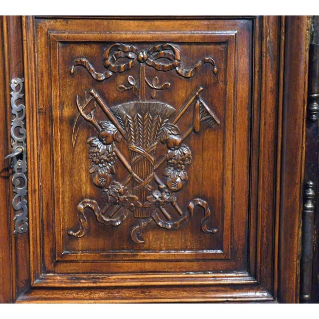 19th Century Louis XV French Carved Walnut Homme-Debout Cabinet For Sale - Image 5 of 7