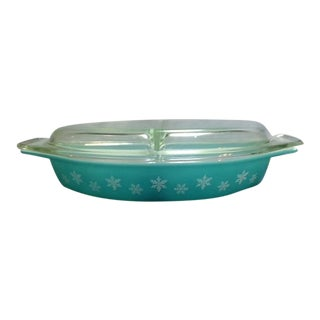 Vintage Pyrex Snowflake Oval Casserole For Sale