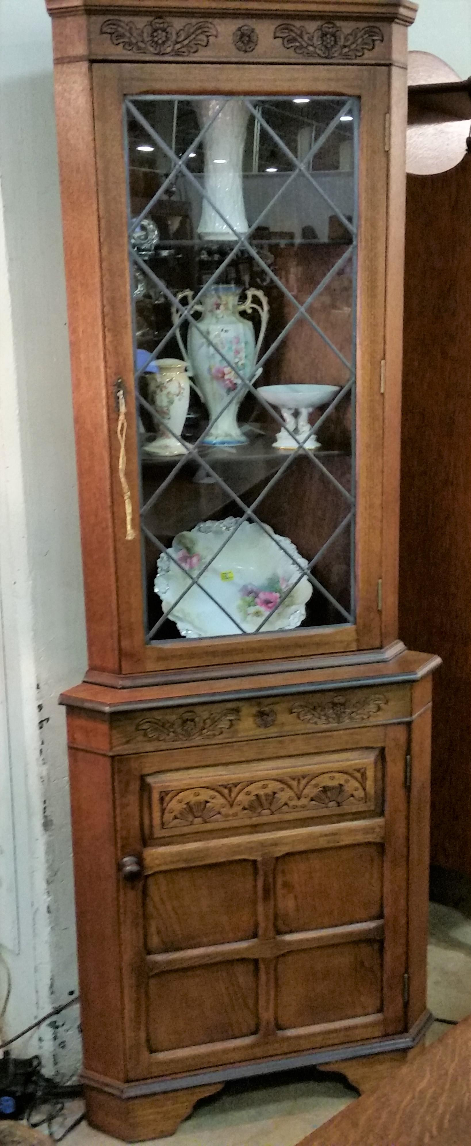 Exceptional Brown Vintage English Oak Corner China Cabinet For Sale   Image 8 Of 11