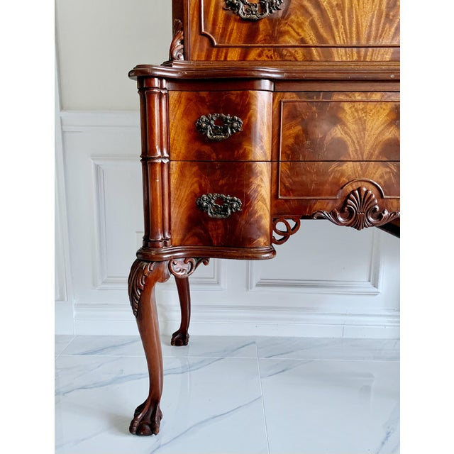 Thomas Chippendale Antique Ca 1900's Georgian Chippendale English Style Mahogany Claw Feet Highboy Dresser For Sale - Image 4 of 13