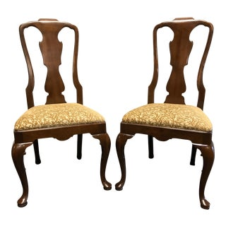 Henredon 18th Century Portfolio Walnut Queen Anne Dining Side Chairs - Pair For Sale