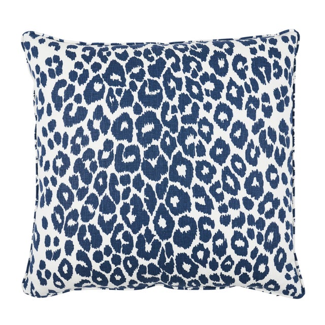 Schumacher Schumacher Iconic Leopard Pillow in Ink For Sale - Image 4 of 4