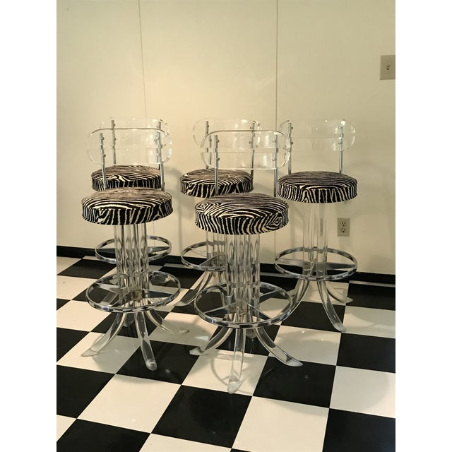 1970s Modern Glam Lucite & Chrome Bar Stools - Set of 5 For Sale - Image 12 of 13