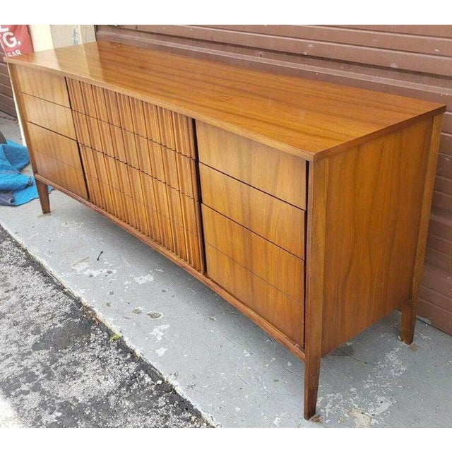 Mid 20th Century Gorgeous Mid Century Modern Curved Dresser or Credenza by Strata for Unagusta For Sale - Image 5 of 7