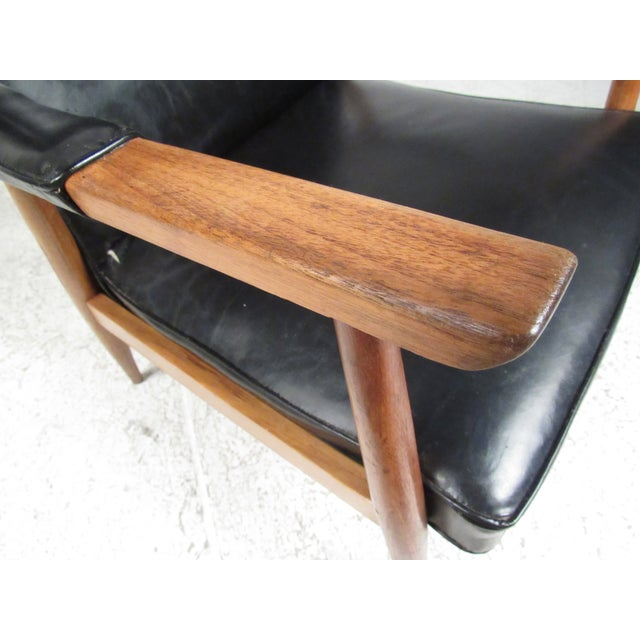 1960s Pair of Vintage Modern Armchairs For Sale - Image 5 of 13