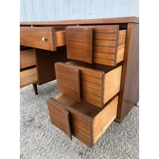 1960s Mid Century Modern 7 Drawer Writing Desk by Johnson Carper For Sale - Image 5 of 13