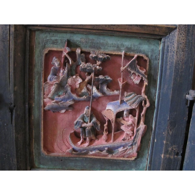 Asian Chinese Qing Dynasty Polychrome Carved Wood 6 Panel Figural 6 Panel Screen For Sale - Image 3 of 9