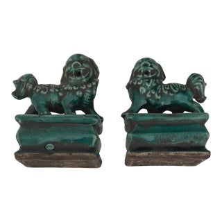 Small Green Foo Dog Statues - a Pair For Sale