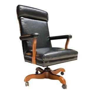 Mid-Century Modern Swivel-Tilt High-Back Judiciary Chair Manner of h.w. Gunlocke For Sale