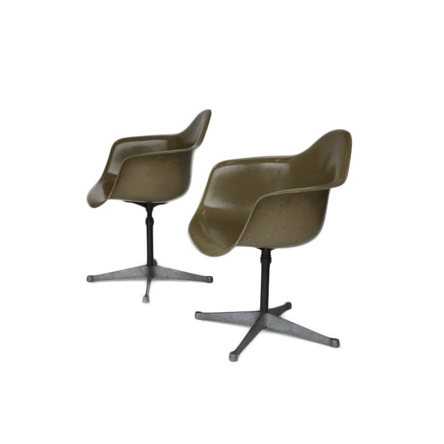 Charles Eames Bucket Swivel Chair - Pair - Image 8 of 8