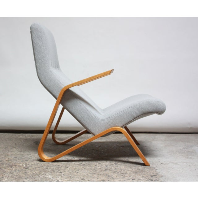 Eero Saarinen's iconic 'Grasshopper' chair designed for Knoll Associates. Early example (circa late 1940s), as indicated...