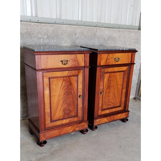 French Country 19th Century French Crotch & Burl Mahogany Confiture Cabin For Sale - Image 3 of 12