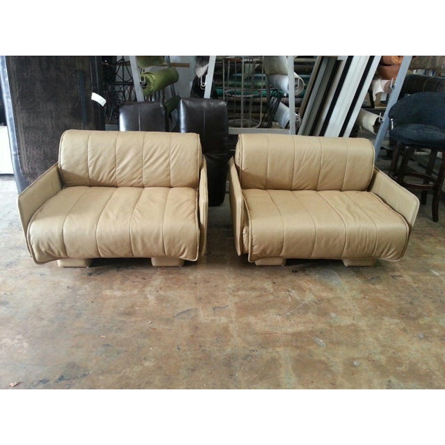 """Tan Pair of De Sede of Switzerland """"1986"""" Oversized Modern Leather Chairs For Sale - Image 8 of 13"""