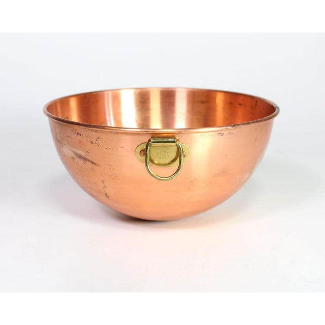 1970s French Copper Nesting Bowls With Brass Hanging Handles - Set of 3 For Sale - Image 4 of 7