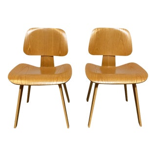 Late 20th Century Herman Miller Eames Molded Plywood Lounge Chairs - Set of 2 For Sale