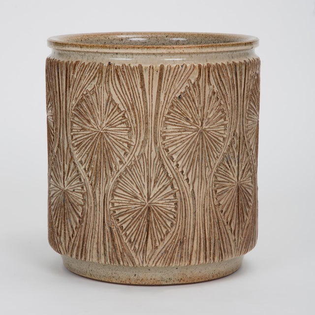 "Boho Chic ""Teardrop Sunburst"" Planter by Robert Maxwell and David Cressey for Earthgender For Sale - Image 3 of 9"