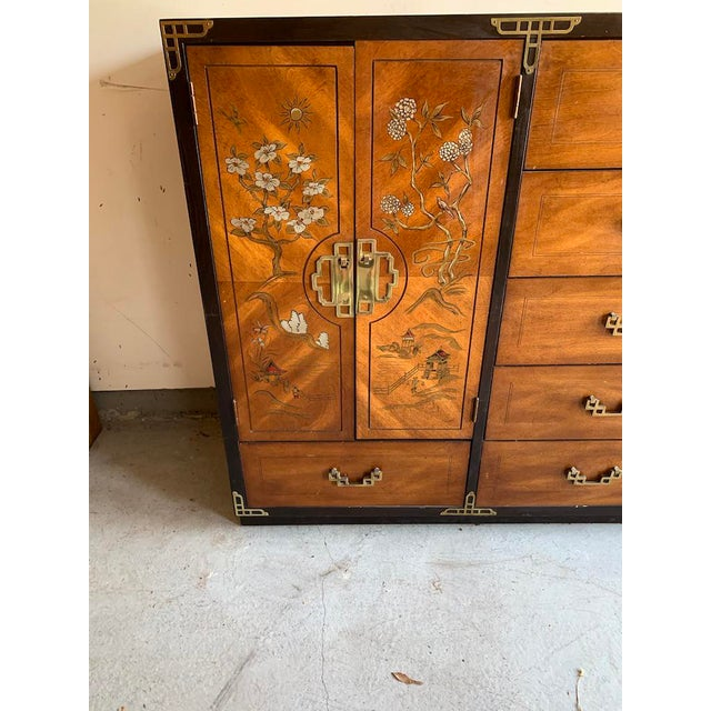 Mid 20th Century Bassett Furniture Asian Inspired Chinoiserie Chest of Drawers For Sale - Image 5 of 8