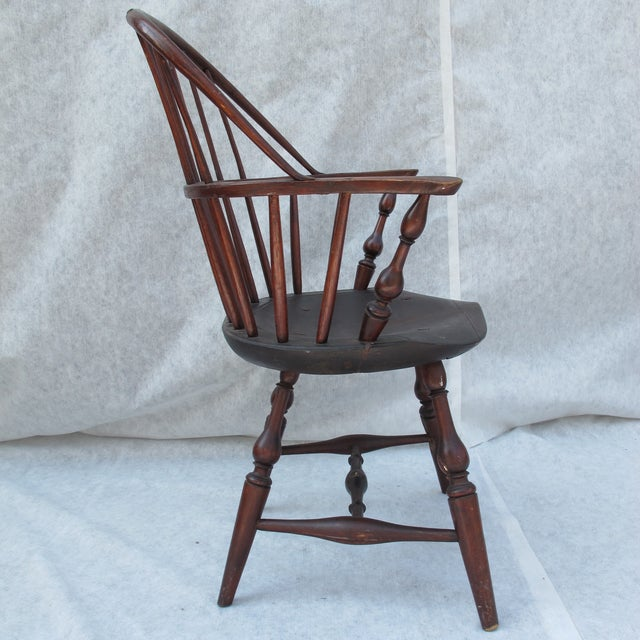New England Bow-Back Windsor Arm Chair - Image 3 of 10