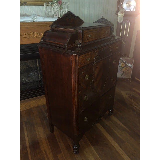 Antique 1930's Burled Walnut Dresser Chest Bureau With Mounted Glove Box For Sale In New York - Image 6 of 13