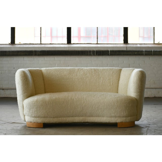 Danish 1940s Curved Banana Shape Sofa in Lambswool in the Style of Viggo Boesen For Sale - Image 11 of 11