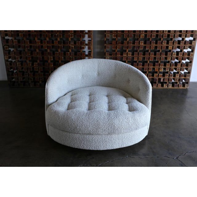 Milo Baughman Large Swivel Lounge Chair for Thayer Coggin, Circa 1970 For Sale In Los Angeles - Image 6 of 13