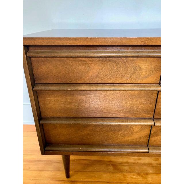 Mid 19th Century Mid 19th Century Mid Century Modern Bassett 9 Drawer Lowboy Dresser For Sale - Image 5 of 12