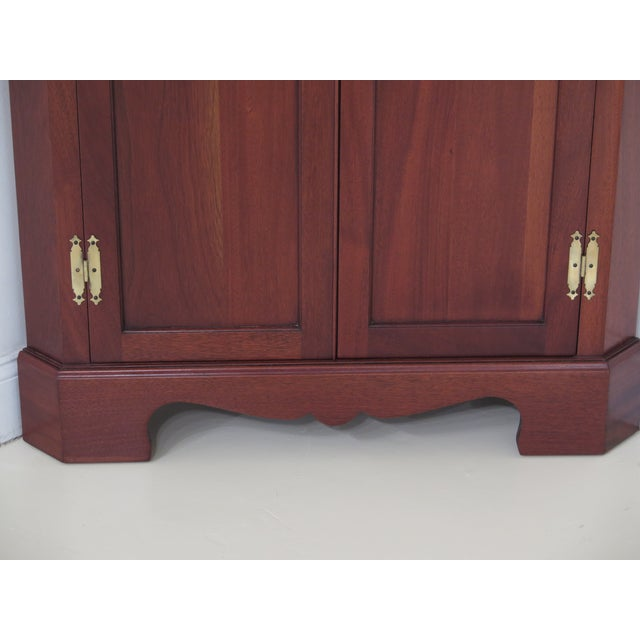 1990s Chippendale Craftique Solid Mahogany Corner Cabinet For Sale - Image 4 of 11