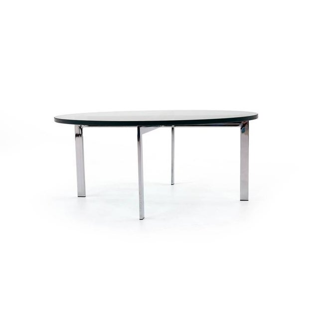 Modern Milo Baughman for Thayer Coggin, Round Chrome and Glass Coffee Table For Sale - Image 3 of 6