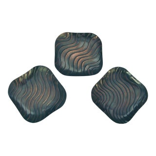 Rebajes Mid-Century Modern Undulating Design Side Plates - Set of 3 For Sale