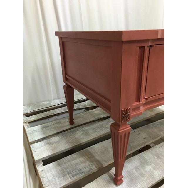 Italian Scandinavian Pink Italian Marble Top End Table For Sale - Image 3 of 10