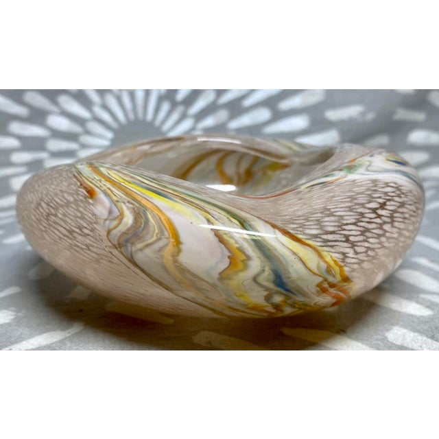 1960s Vintage Art Glass Rainbow Pink & White Catchall Decorative Bowl For Sale - Image 4 of 7
