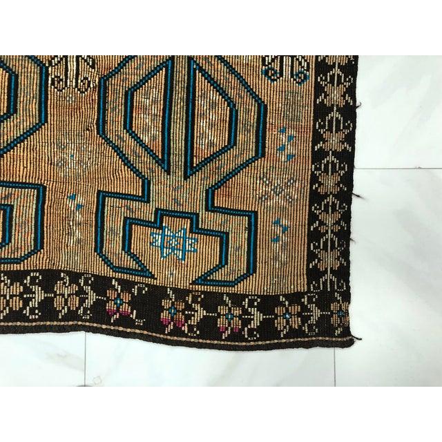Boho Chic Turkish Bohemian Vintage Floor Kilim Rug - 4′9″ × 9′1″ For Sale - Image 3 of 11