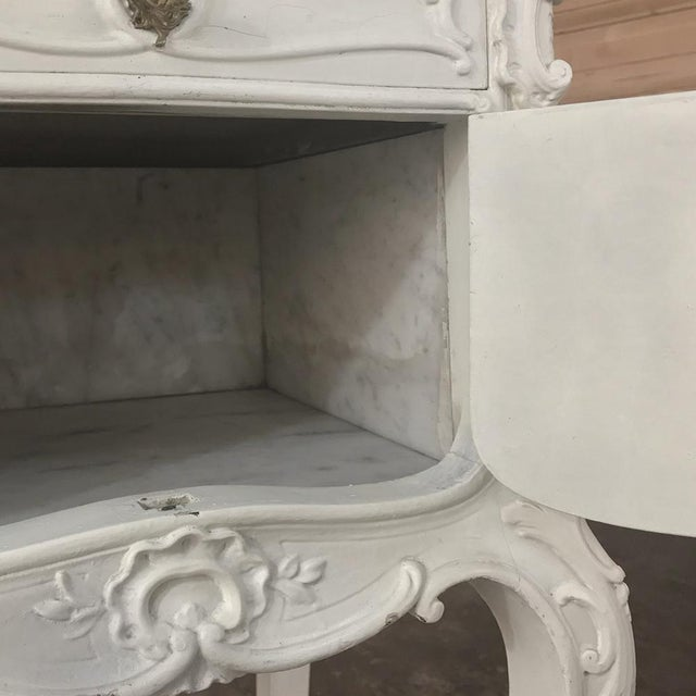 19th Century French Louis XV Painted Nightstand For Sale - Image 4 of 13