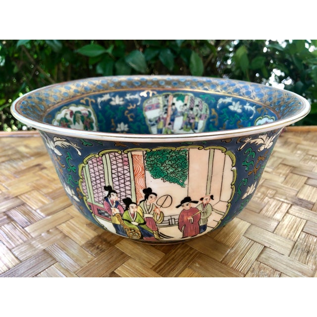 20th Century Chinese Hand Painted and Gilt Rose Medallion Bowl in Blue For Sale - Image 11 of 13