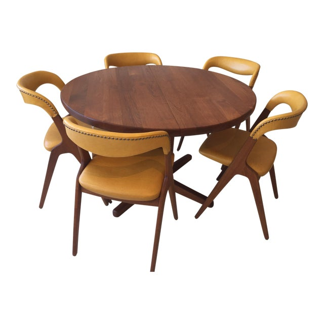 Mid-Century Modern Teak Dining Table/Chairs Set For Sale