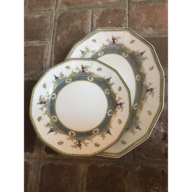"""Royal Doulton Chinoiserie """"Mandarin"""" Pattern Platter and Dinner Plate Set - 2 Pc. For Sale - Image 13 of 13"""