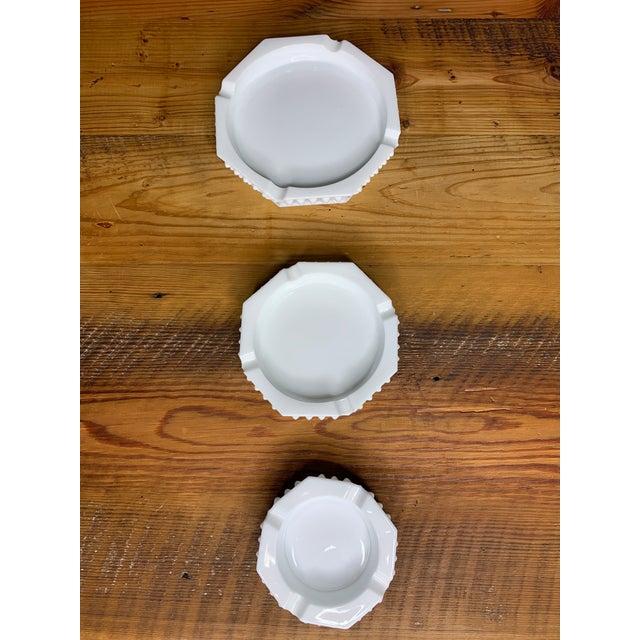 White Hobnail Geometric Ashtray Bowls - Set of 3 For Sale - Image 8 of 11