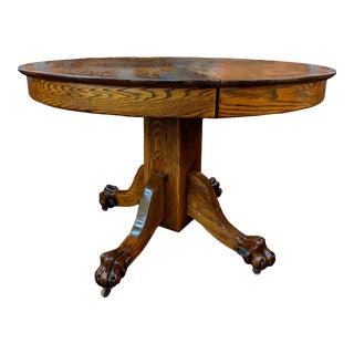 Antique Hasting ClawFoot Round Table. For Sale