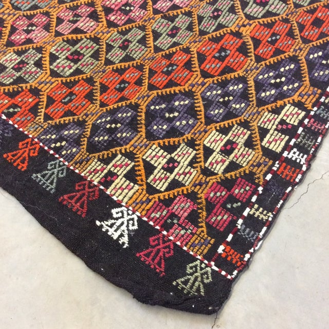 "1960's Turkish Kilim - 5'6""x8'6"" For Sale - Image 4 of 13"