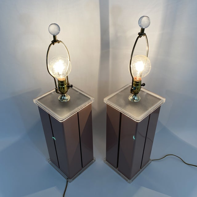 Metal 1980s Optique Mauve Lacquered Metal and Lucite Lamps- a Pair For Sale - Image 7 of 11