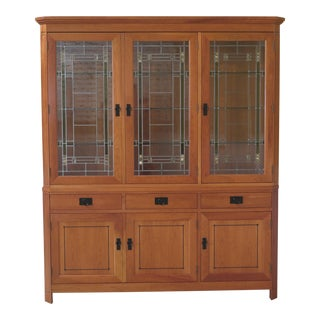 Stickley 21st Century Collection Leaded Glass Arts & Crafts Cherry China Cabinet For Sale