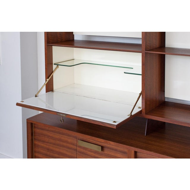 Gio Ponti for Singer & Sons Model 4120 Walnut Display Cabinet - Image 5 of 11