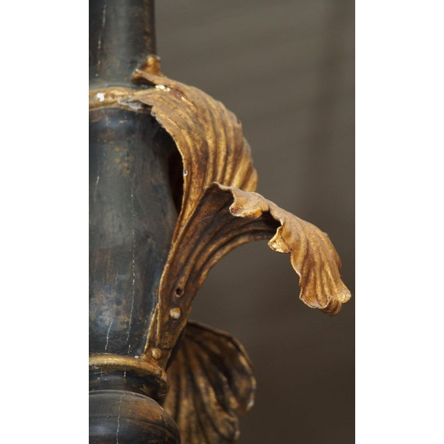 Gold 19th Century Italian Wood and Gilded Tole Chandelier For Sale - Image 8 of 9