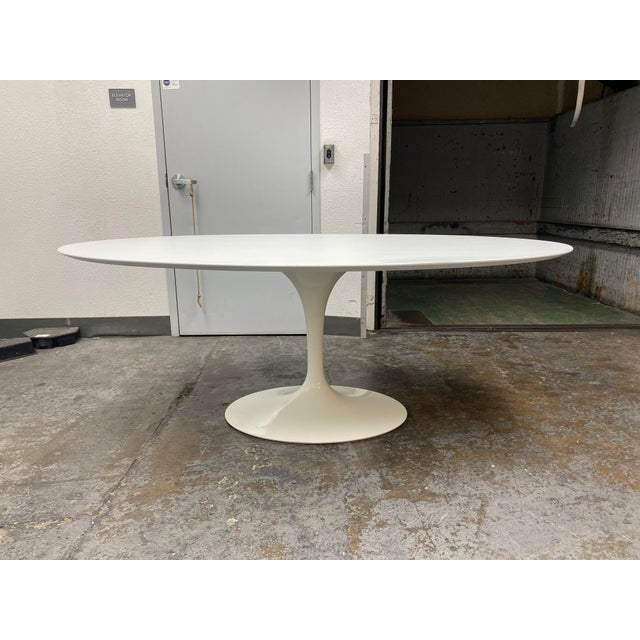 Eero Saarinen Rove Concepts Tulip White Lacquered Table For Sale - Image 13 of 13