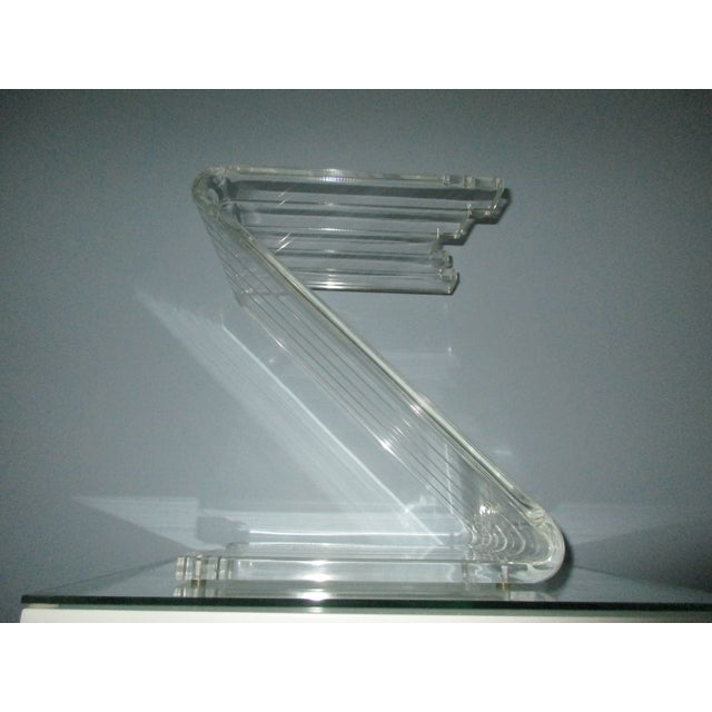 1970s Hollywood Reegncy Lucite Z Shaped Side Table/Plant Stand For Sale - Image 13 of 13