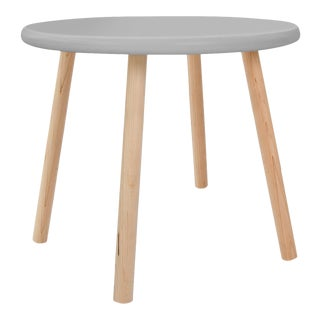 "Peewee Small Round 23.5"" Kids Table in Maple With Gray Finish Accent For Sale"