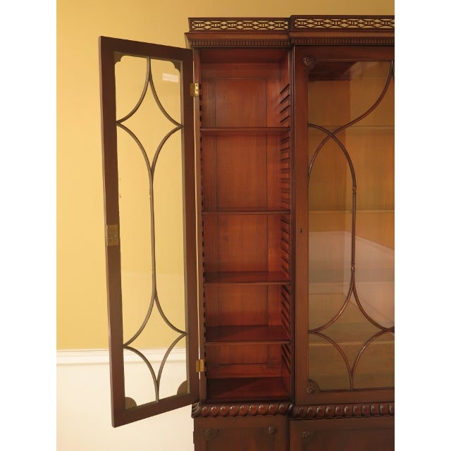Glass Kittinger Colonial Williamsburg Model CW-38 Mahogany Breakfront Bookcase For Sale - Image 7 of 11